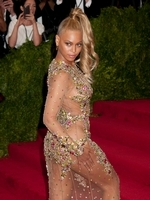<b>Beyonce</b> And <b>Rihanna</b> Speak Out About The Death Of <b>George Floyd</b>